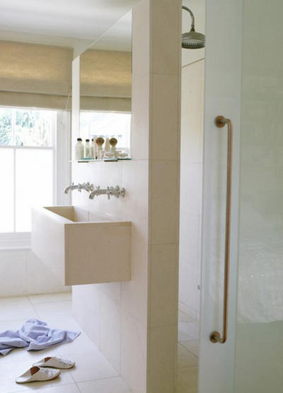B_partition with one side shower one side basin