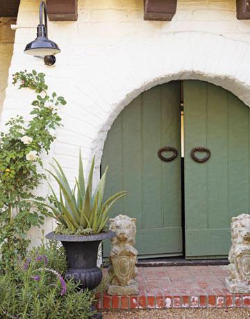P 2-bold-door-0308-xlg