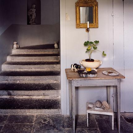 H stairs stone